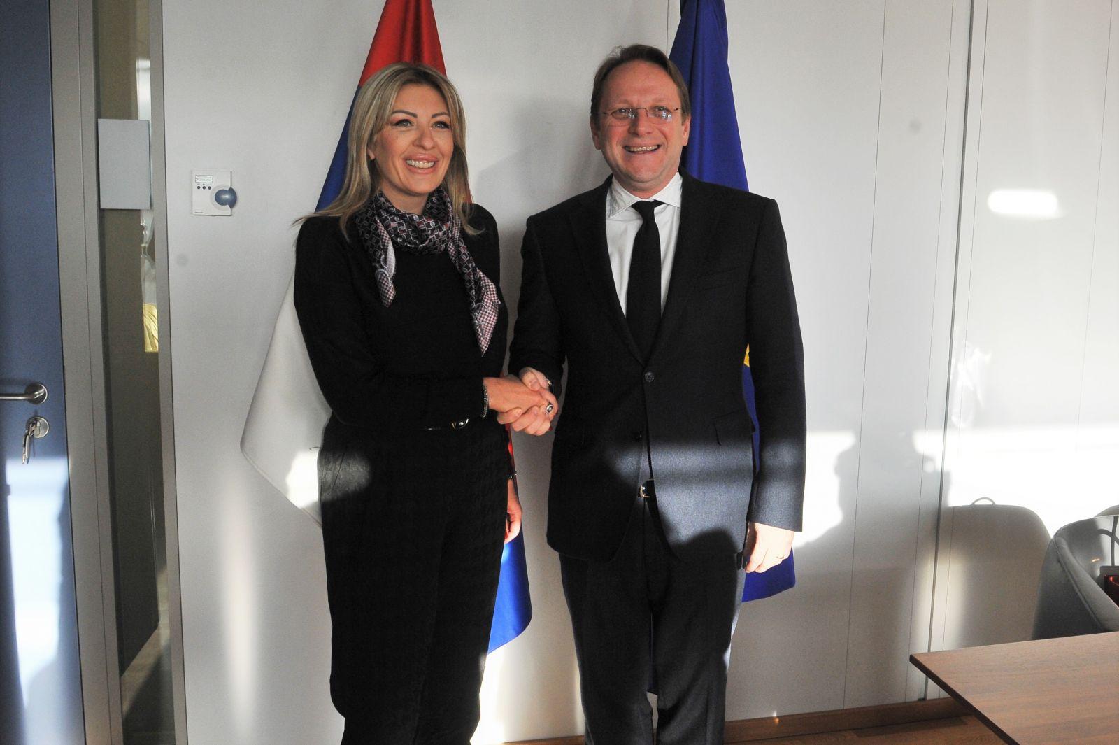J. Joksimović i Varheji: Verujemo da Srbija može da bude prva spremna za članstvo