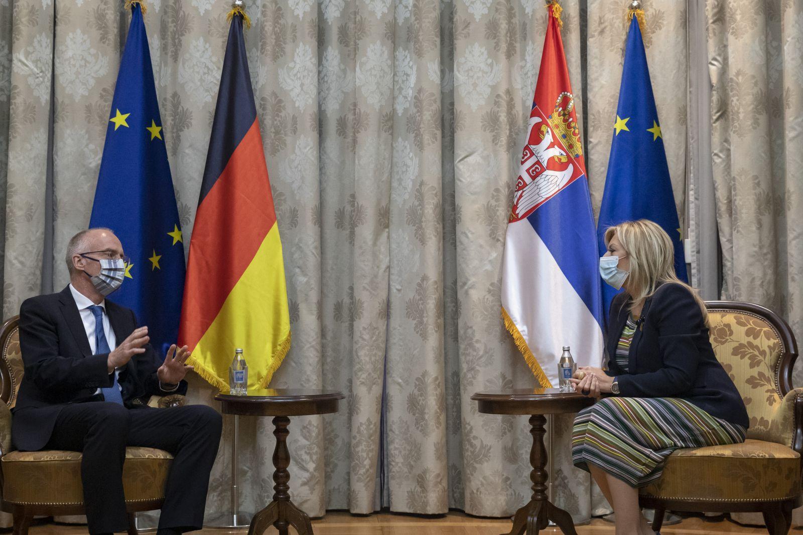 Joksimović i Šib: Vladavina prava i dijalog ključni kriterijumi za napredak na EU putu