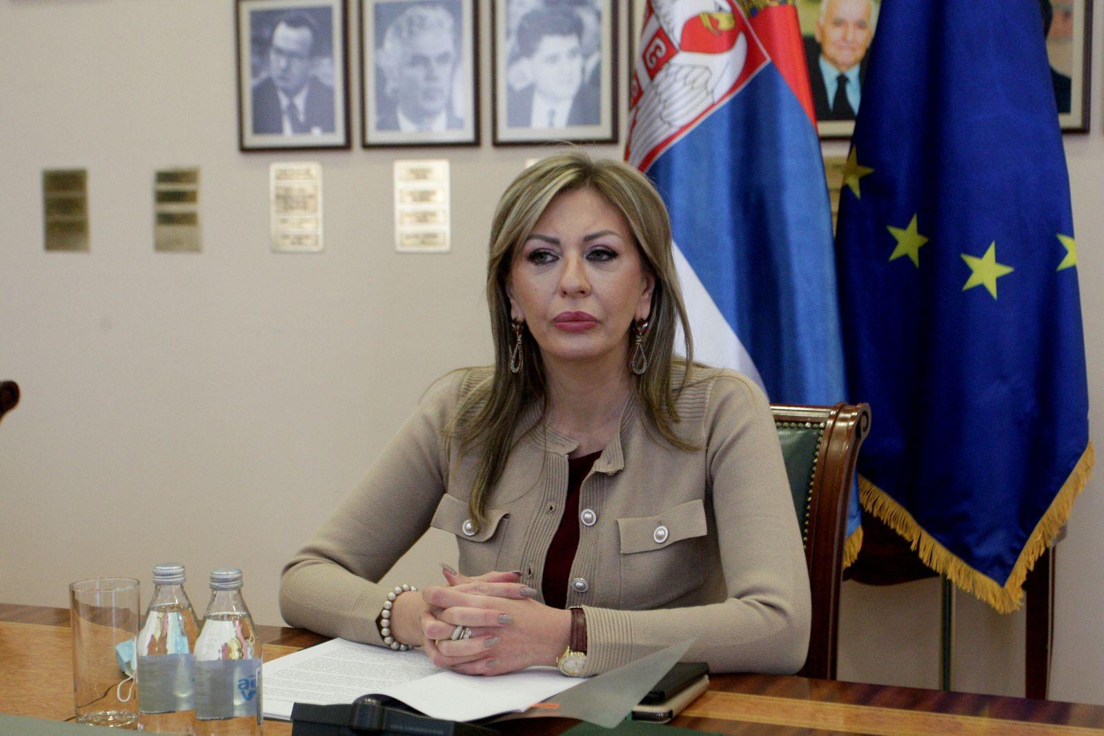 J.  Јоксимовић: Пројекти повезивања региона подићи ће економски раст