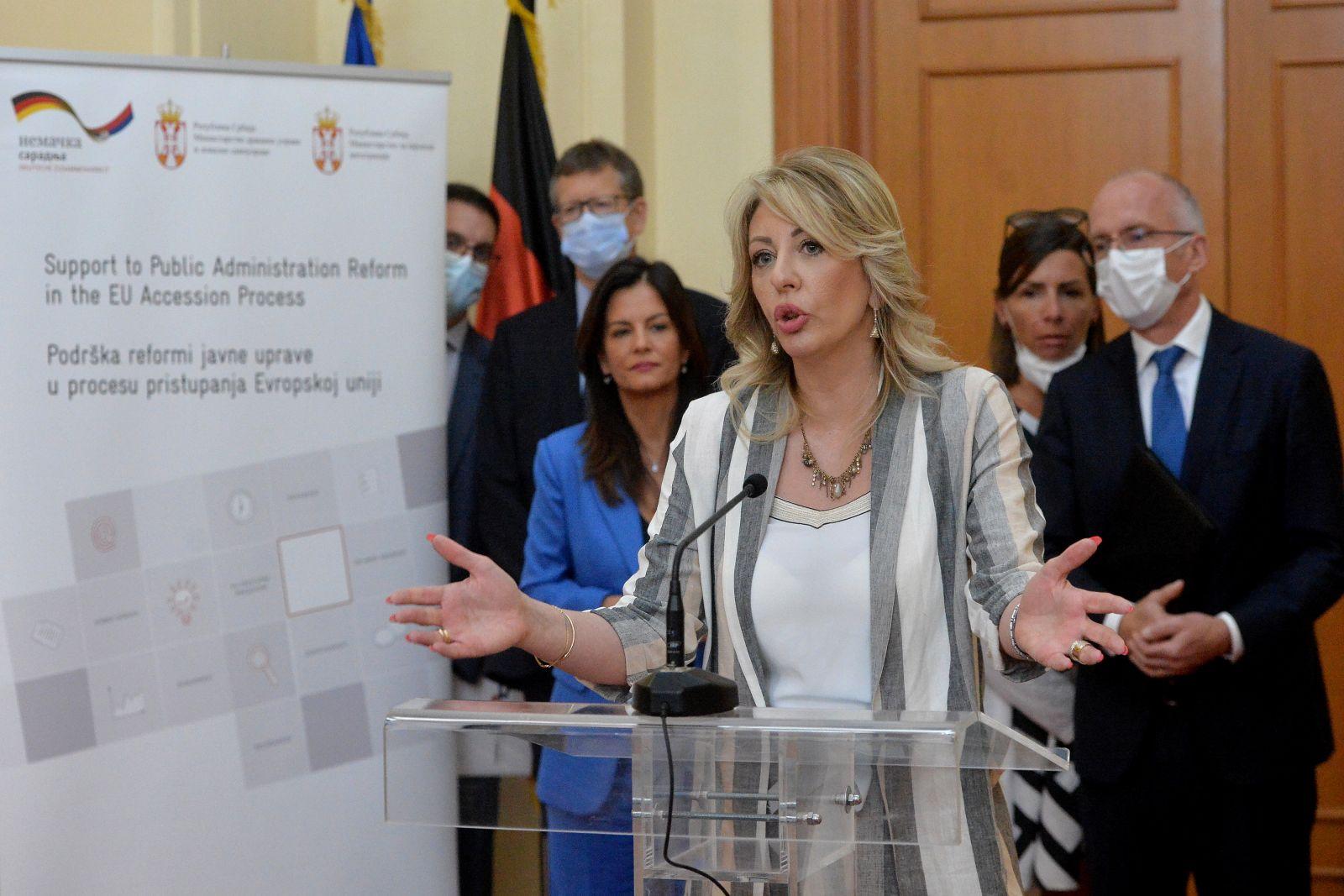 Ј. Јоксимовић: Србија наставља да јача структуре за приступни процес ЕУ
