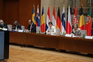 Brnabić i Joksimović sa Fabricijem i ambasadorima članica EU