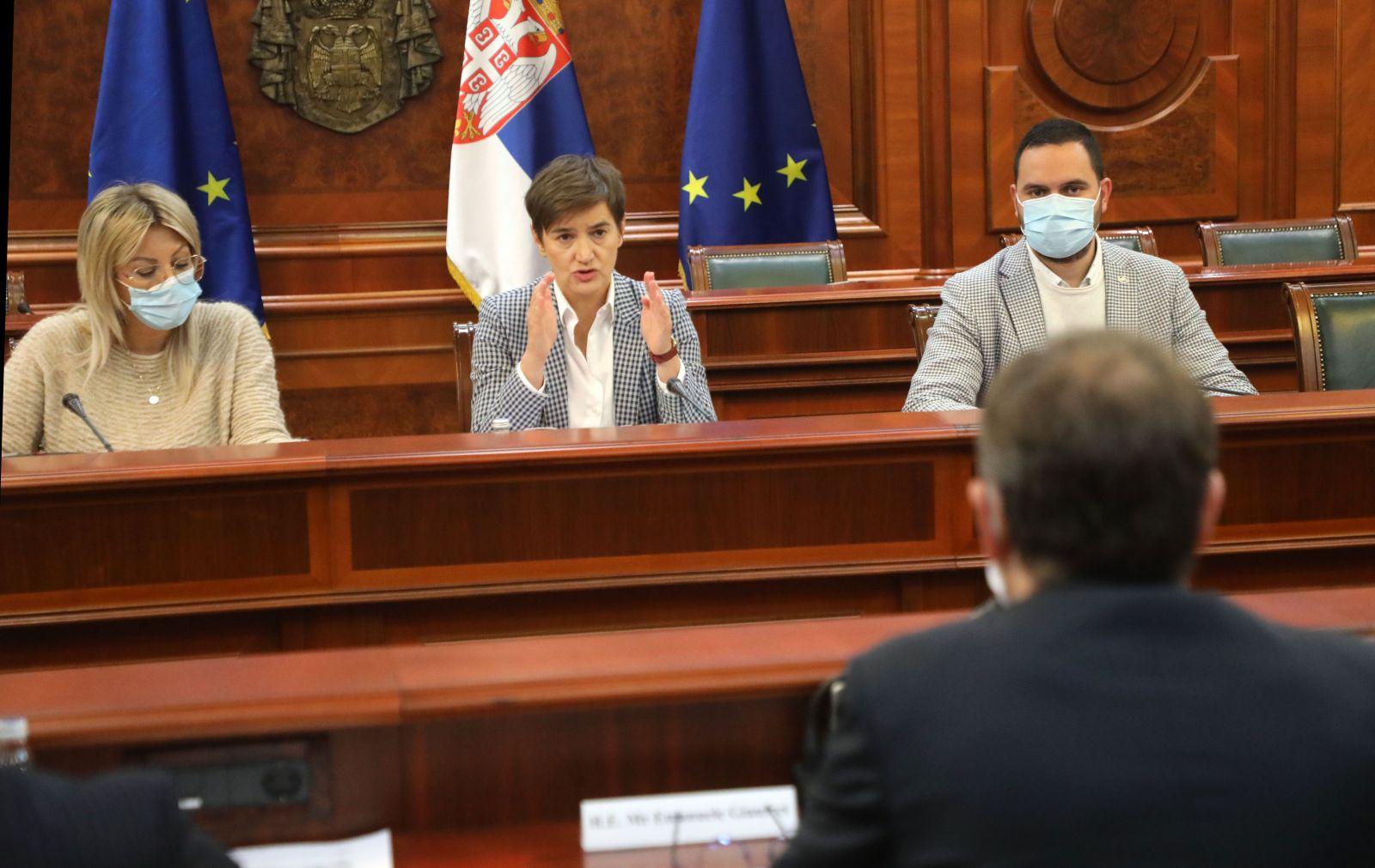 Брнабић и Јоксимовић са Жиофреом о приступању ЕУ