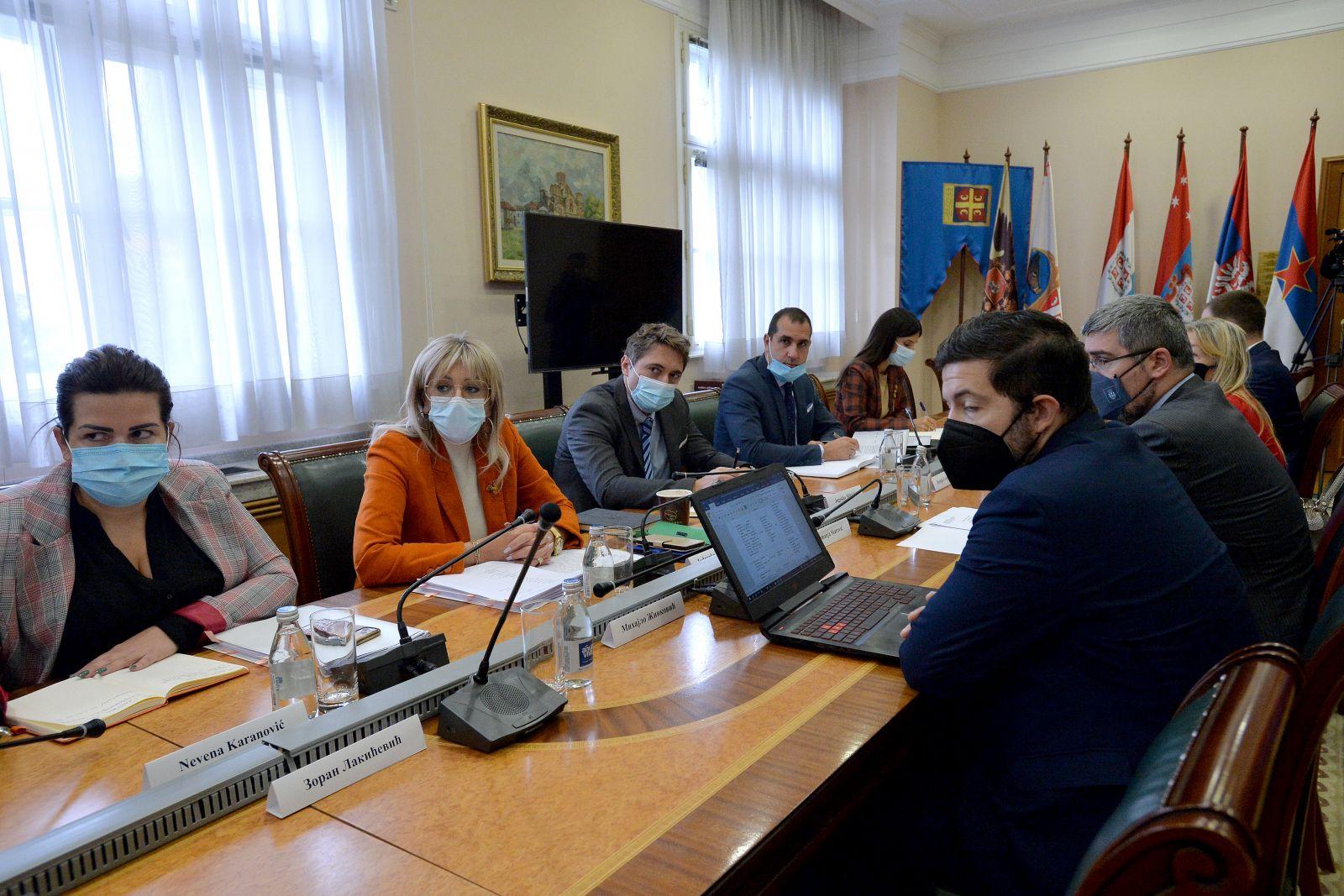 J. Јоксимовић и координатори кластера о преговарачком процесу