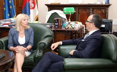 Јоксимовић и Фабрици поручили да реформе отварају врата ЕУ