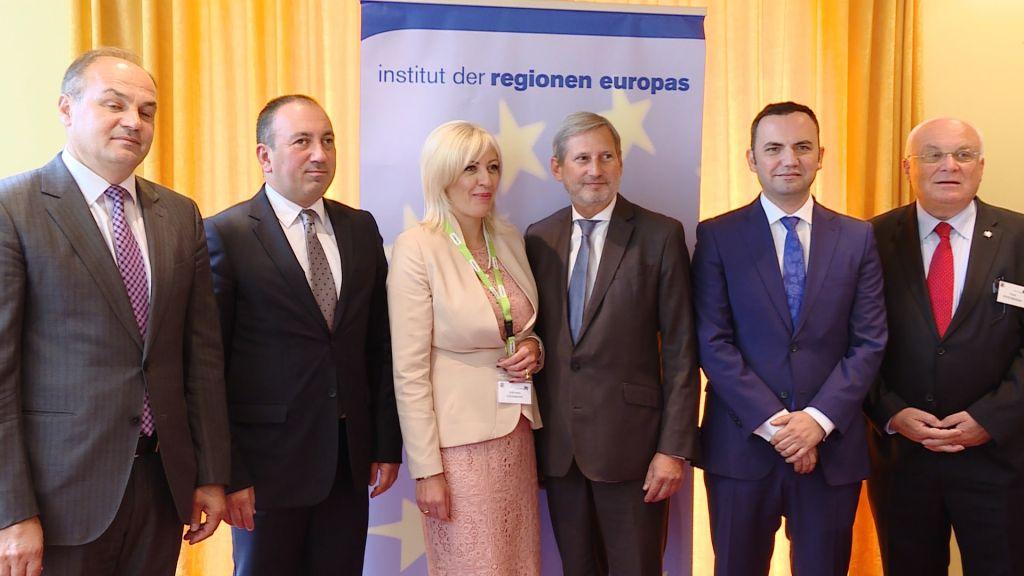 Ј. Јоксимовић: Регион, као Србија, да покаже конструктивност
