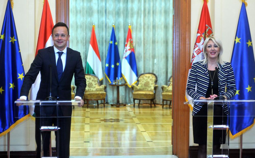 Ј. Јоксимовић и Сијарто: Србија и Мађарска пример добросуседске сарадње