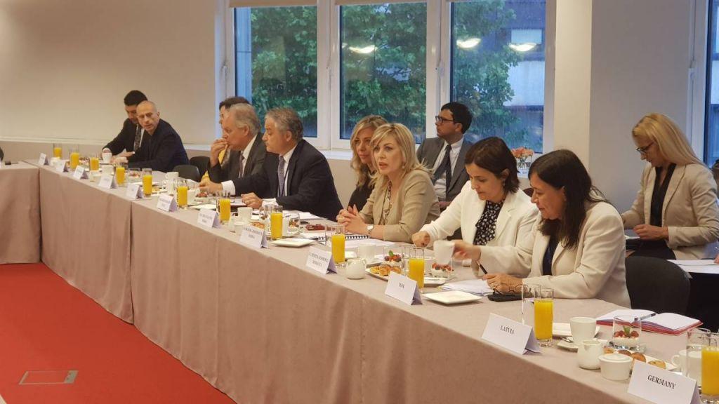 Ј. Јоксимовић: На Србију се рачуна и зато је позивају да иде брже