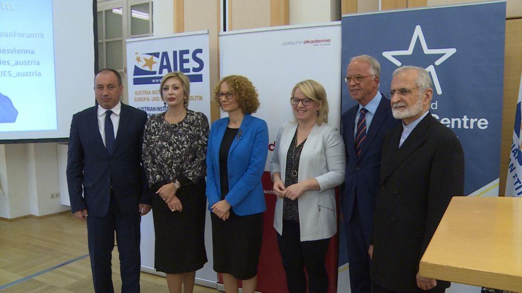 Ј. Јоксимовић: Србија опредељена за одрживи мир, али и други морају исто