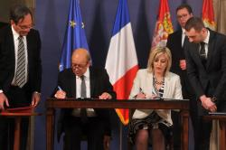 Minister of European Integration Jadranka Joksimović and French Minister for Europe and Foreign Affairs, Jean-Claude Le Drian signed the Agreement on the construction of the metro in the presence of President Aleksandar Vučić