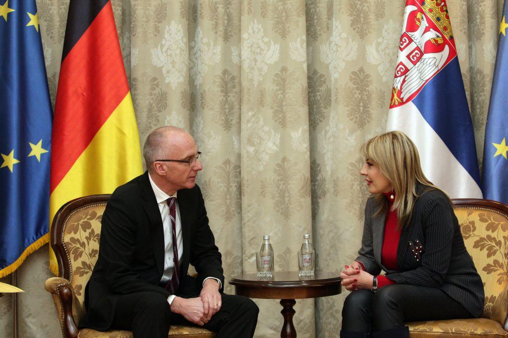 Ј. Јоксимовић и Шиб: За напредак најважније реформе и владавина права