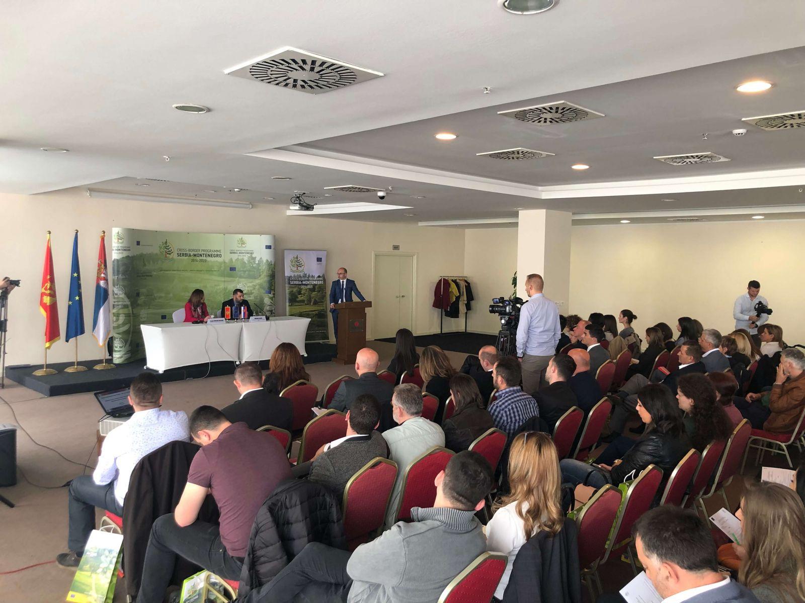 Потписани уговори за спровођење пет пројеката у оквиру ИПА Програма прекограничне сарадње Србија – Црна Гора 2014-2020
