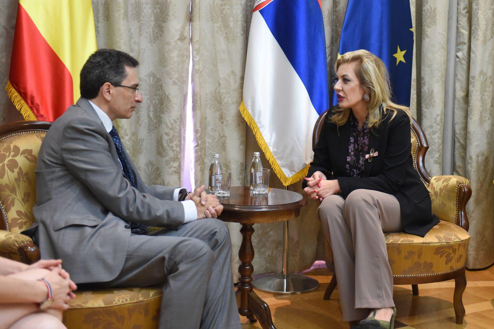 Ј. Јоксимовић и Молина: Јасна подршка Шпаније Србији на ЕУ путу