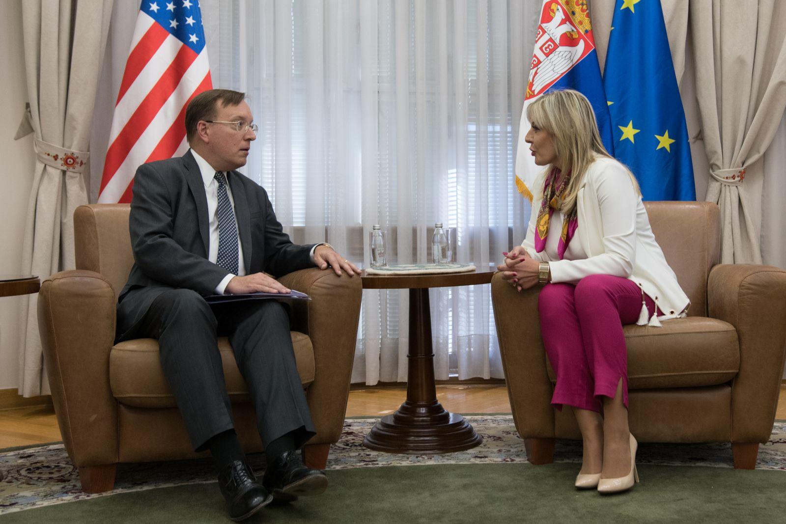 Ј. Јоксимовић и Костеланчик: Србија значајан регионални партнер САД