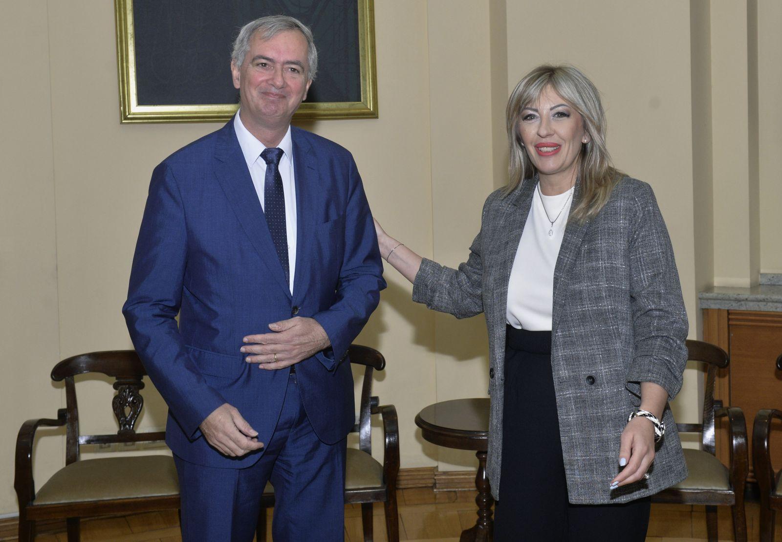 Ј. Јоксимовић и Адам: Важно је и шта кандидати мисле о методологији