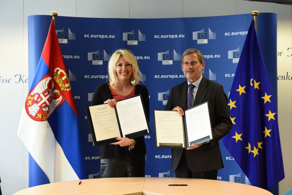 Financial agreement (IPA 2016) worth EUR 96,2 million signed by Minister Joksimović and Commissioner Hahn in Brussels