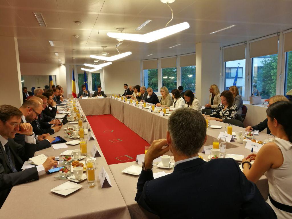 Ј. Јоксимовић: Амбасадори ЕУ нису помињали промену формата дијалога