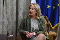 Mинистар за европске интеграције Јадранка Јоксимовић и амерички амбасадор Кајл Скат