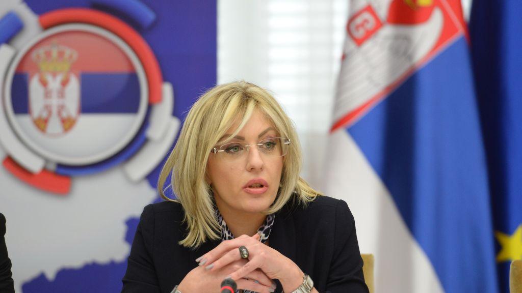 Ј. Јоксимовић: Вучић и Влада спремни да дијалогом дођу до мирног решења