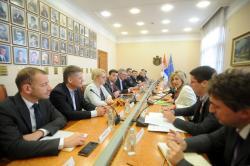 Министар за европске интеграције Ј. Јоксимовић са представницима аустријске Политичке академије