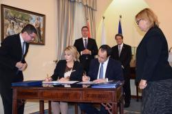 Министар за европске интеграције Јадранка Јоксимовић и министар спољних послова Кипра Никос Христодулидес потписали су Меморандум о разумевању о сарадњи у области европских интеграција.