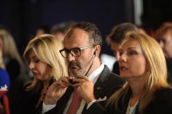 """J. Јоксимовић је на конференцији """"Лидери трансформације друштва"""""""