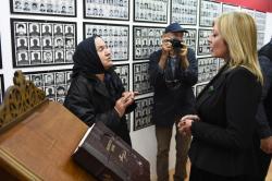Министар за европске интеграције Јадранка Јоксимовић посетила је Спомен собу Косметске жртве