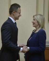 Министар Ј. Јоксимовић и Сијарто