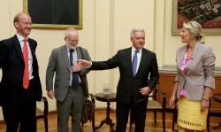 Министар Ј. Јоксимовић и А. Данкан