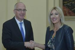 Министар за европске интеграције Јадранка Јоксимовић и амбасадор Шиб